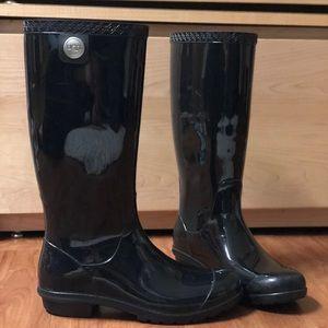 UGG women's black shaye rain boots